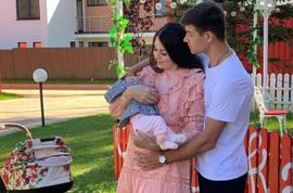 Дмитрий Дмитренко распускает слухи о том, что его супруга опять беременна